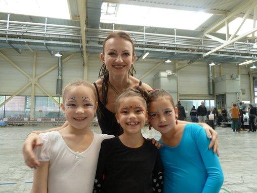 Schülerinnen und lehrerin: FLamenco in Ludwisgburg